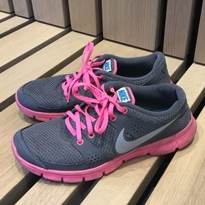 Nike Women's Flex Experience Run Shoes Lightweight